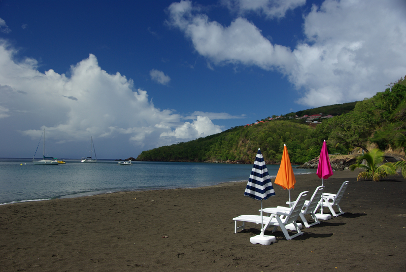 blacksand-Beach-Guadeloupe
