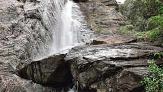 Waterfalls at Nuwara Aliya